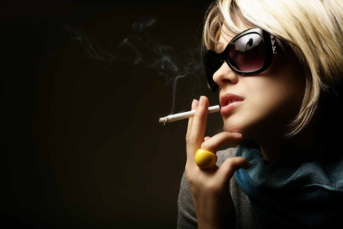 Девушки с сигаретами топ