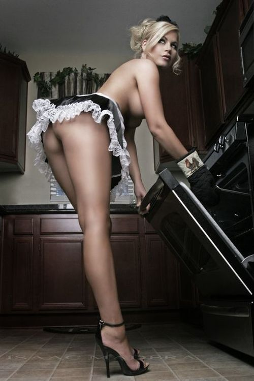 Такая домохозяйка, мечта любого мужчины