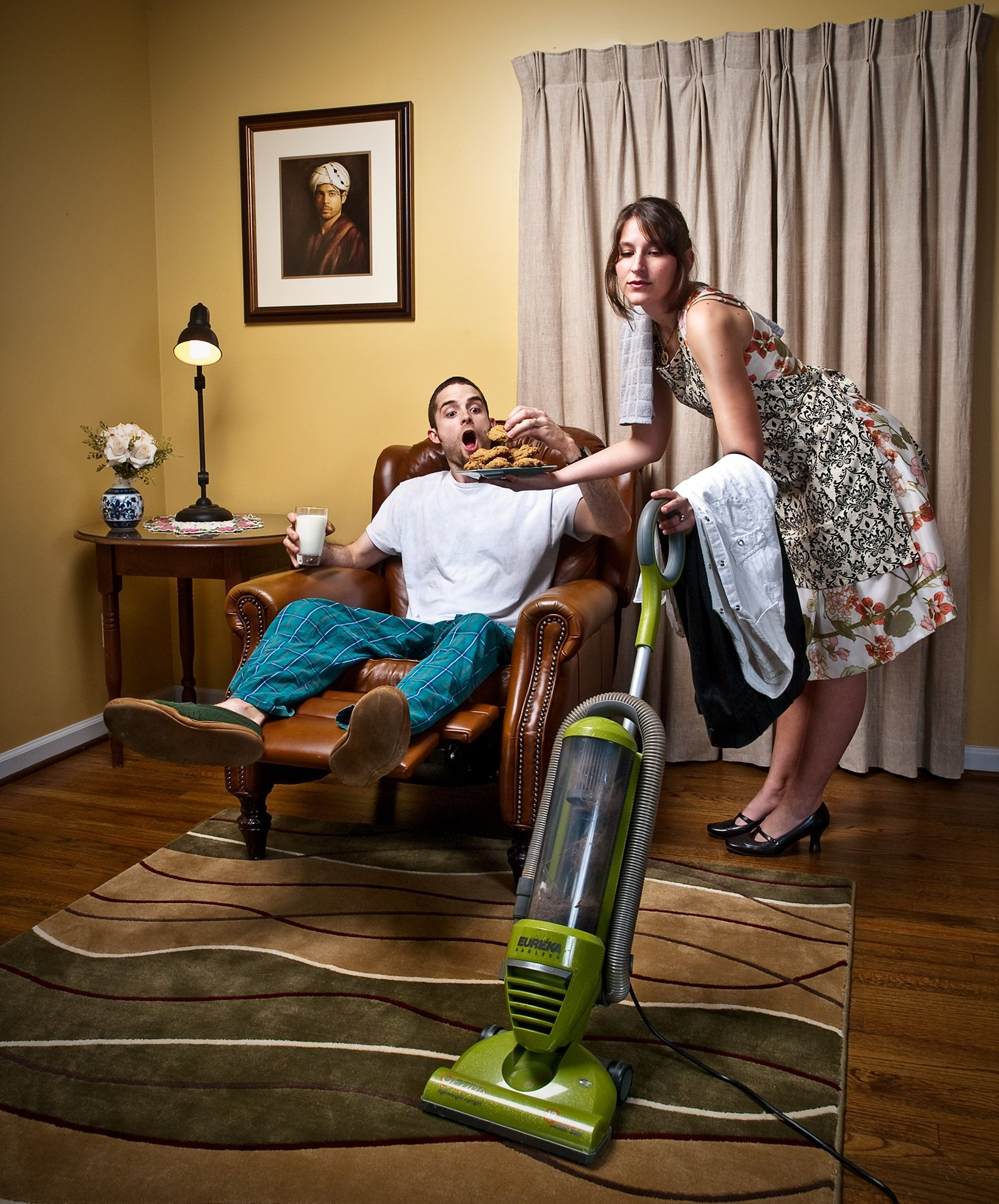 понравилась когда жена дома остается одна туземцы устраивали пошлые