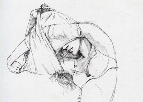 Нарисованная девушка раздевается