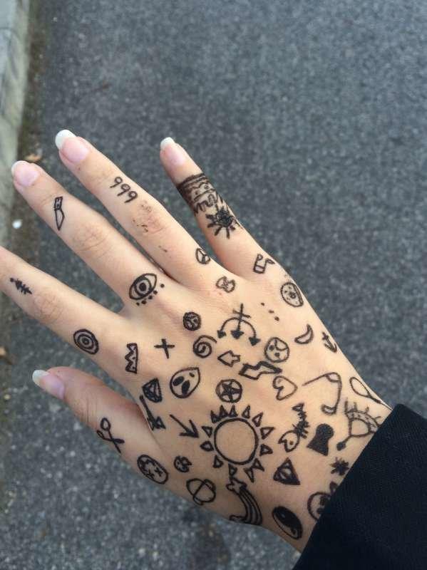 рисунки на руке фото