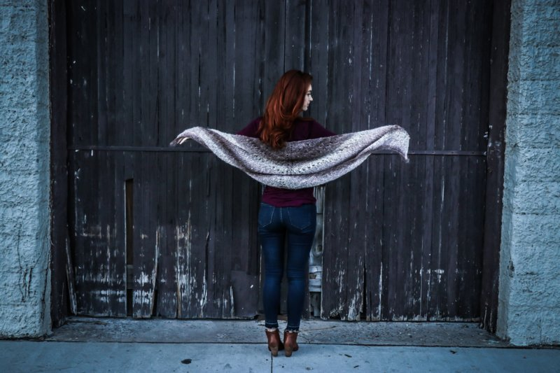 Новые фото на аву для девушек со спины