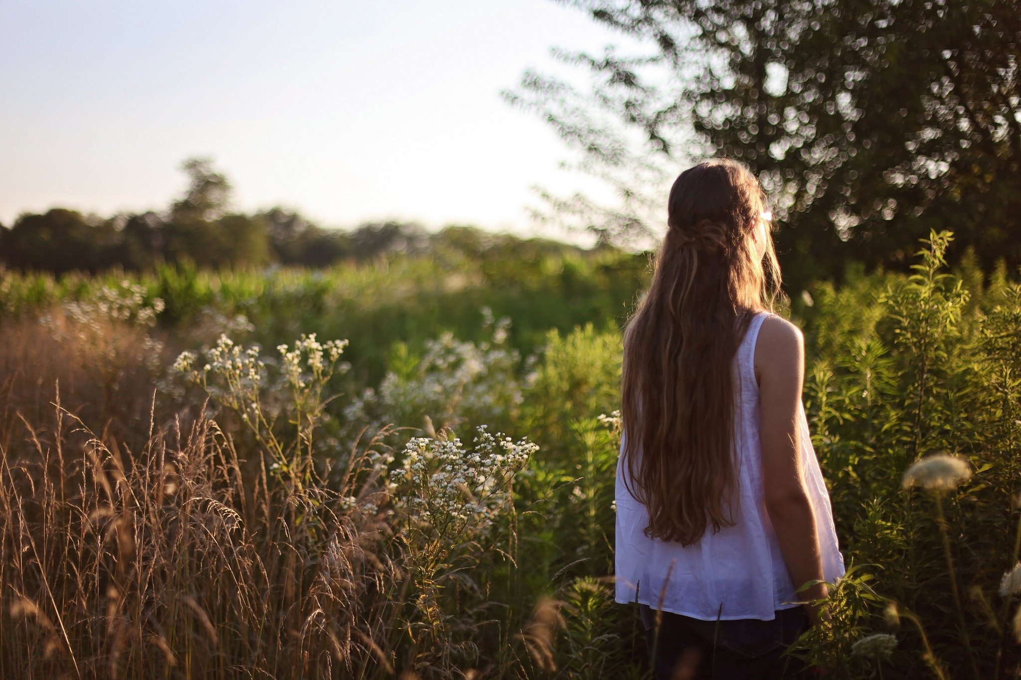 Фотки на аву девушки со спины