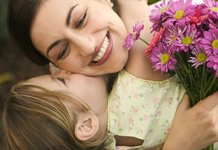Поздравление с днем мамы в стихах