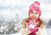 Девочка и снежинки