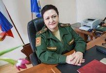 Женщина в военной форме