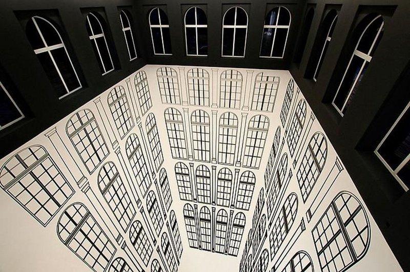 Оптическая иллюзия с дверьми