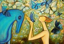 Лошадь и девушка с бабочками