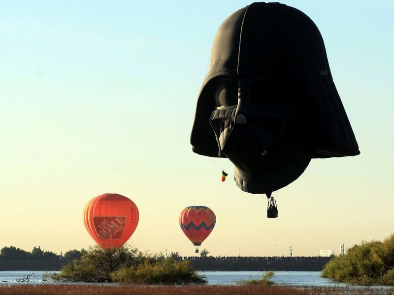 Дарт Вейдер-воздушный шар