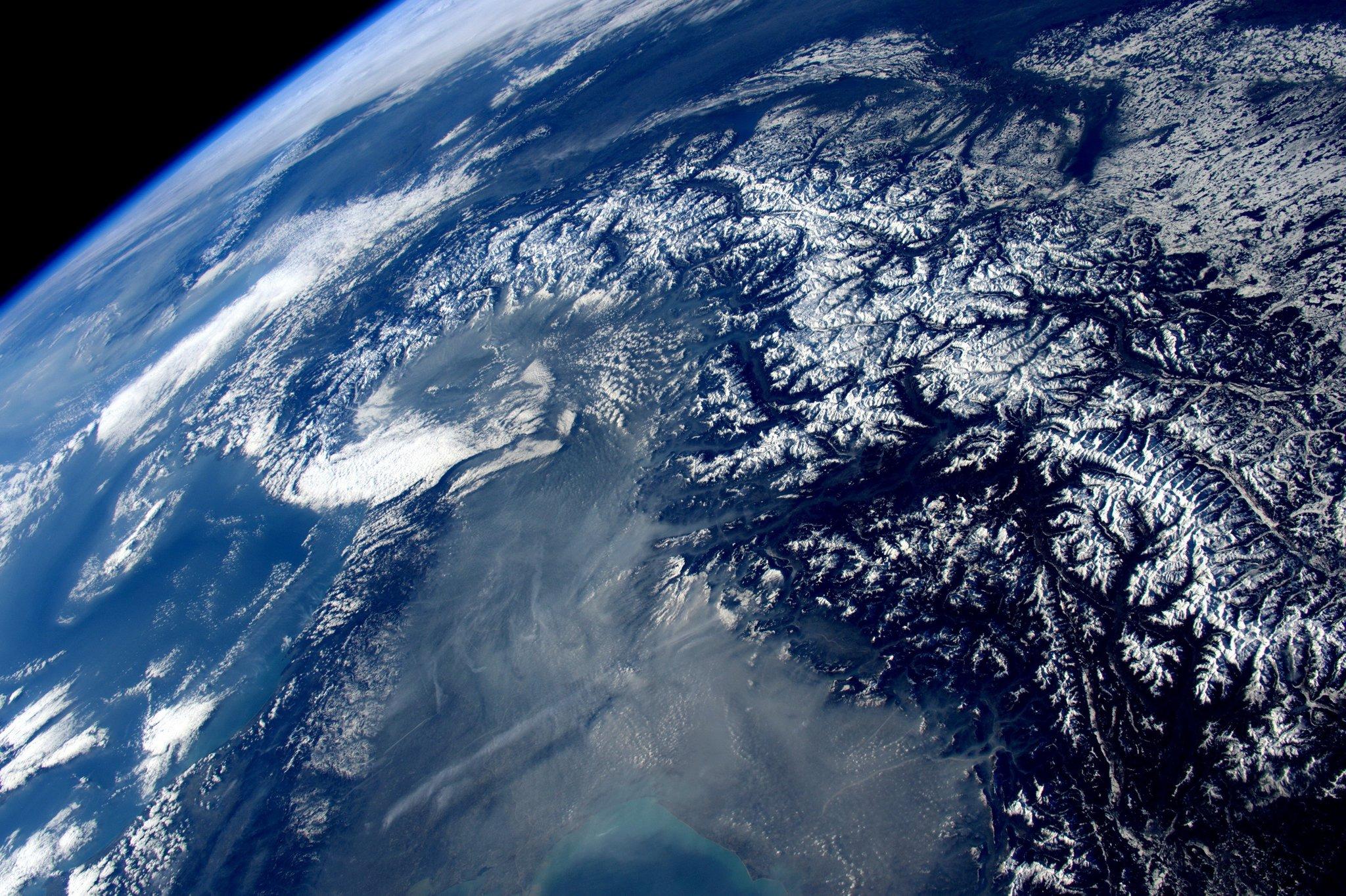 Картинка нашей планеты из космоса