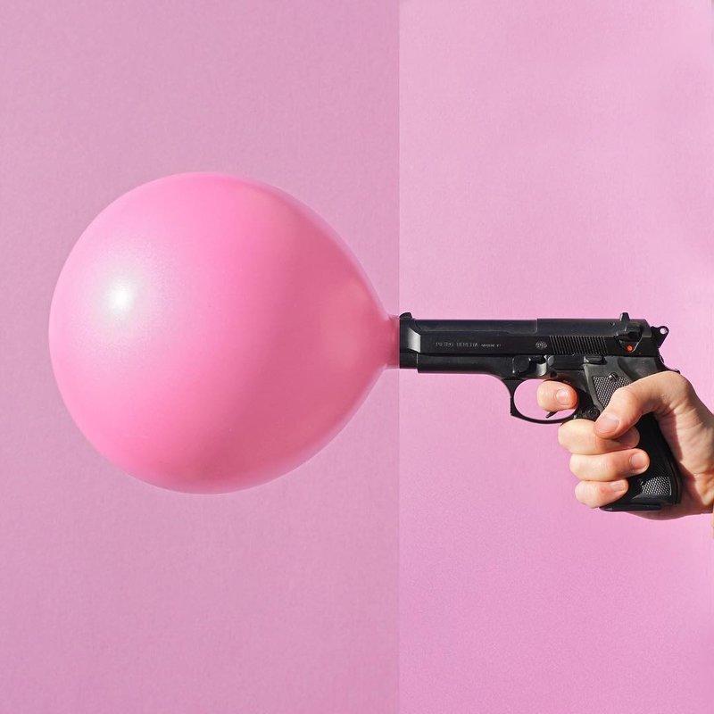 Пистолет и шарик