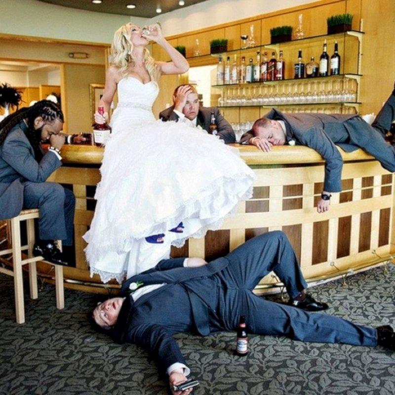 Невеста пьет