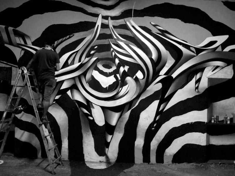 Черно-белая инсталляция