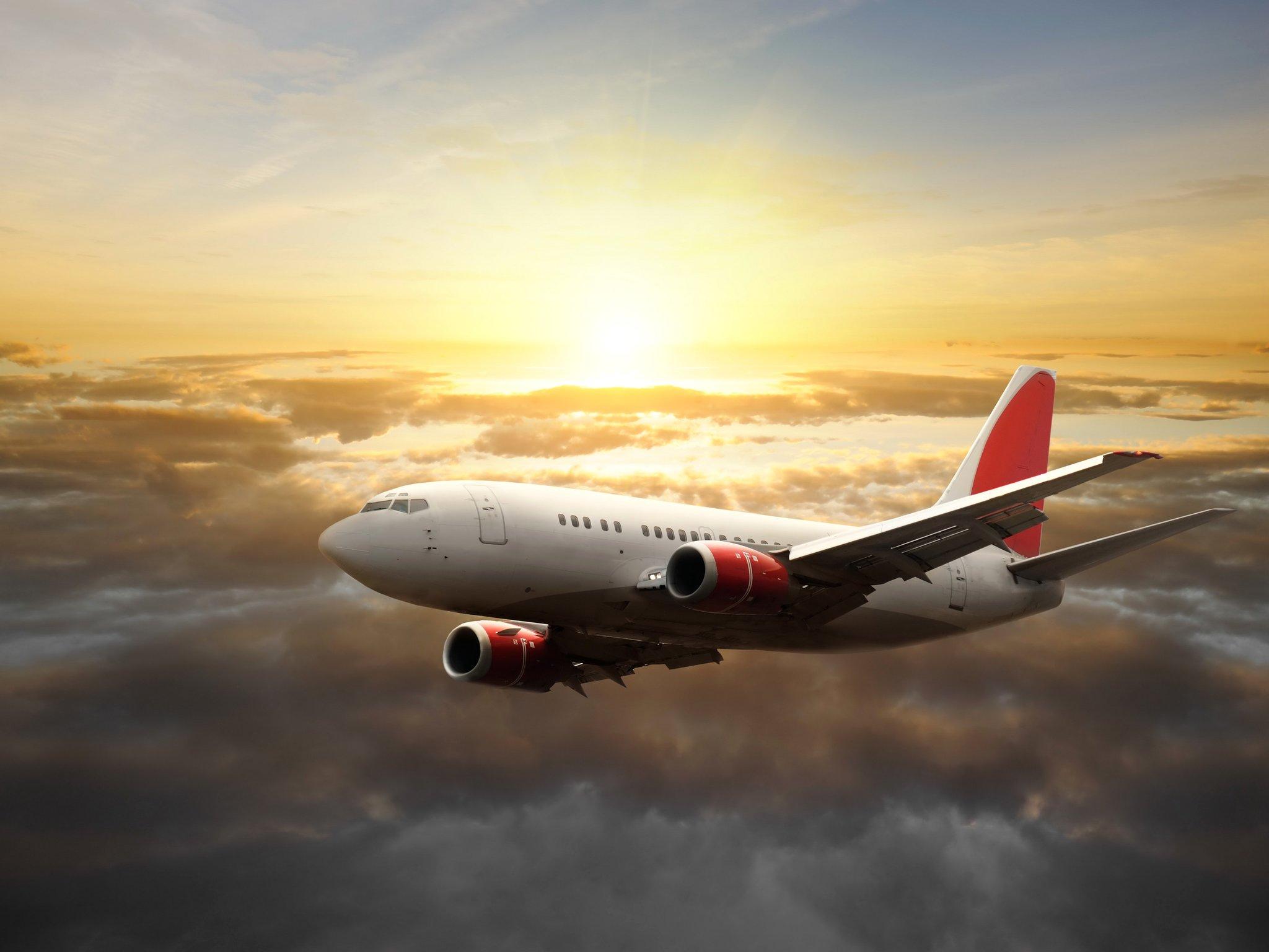 липкая картинки авиалайнера в полете имеется финансовая