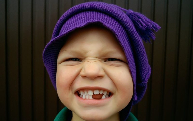 Мальчик без зуба