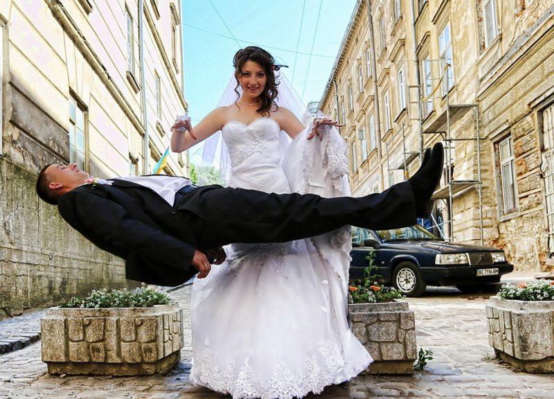 Невеста левитирует жениха