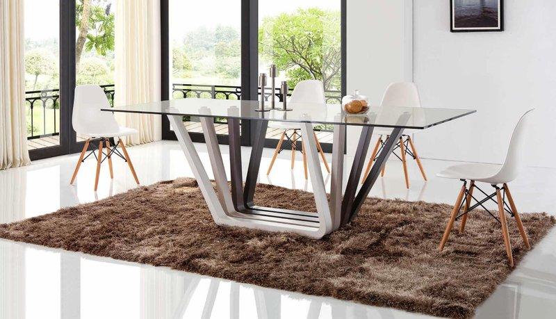 Стол в современном стиле