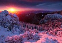 Закат зимой на горе