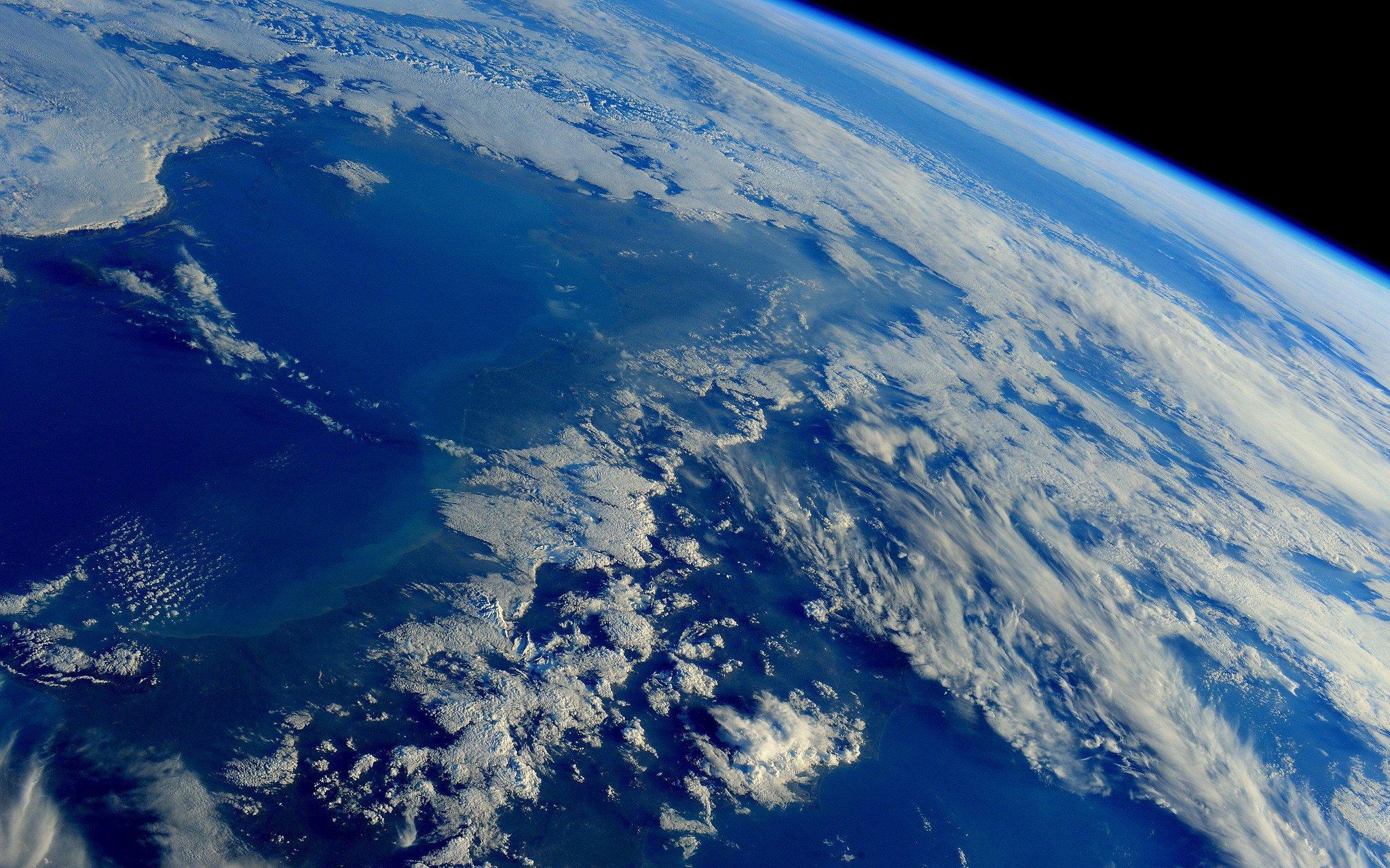 Почему нельзя загрузить фото на планета земля табаку это