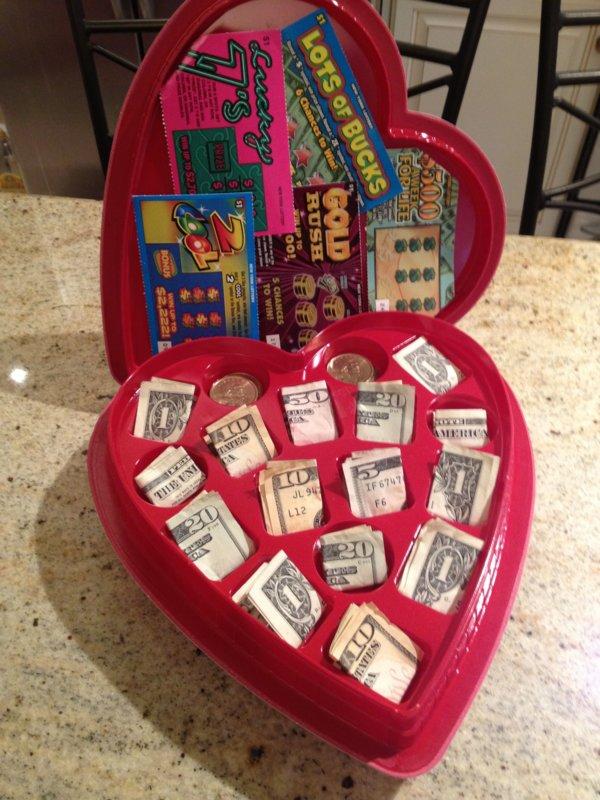 Сердечко с деньгами
