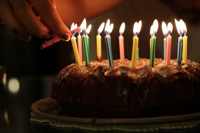 Свечи на торте