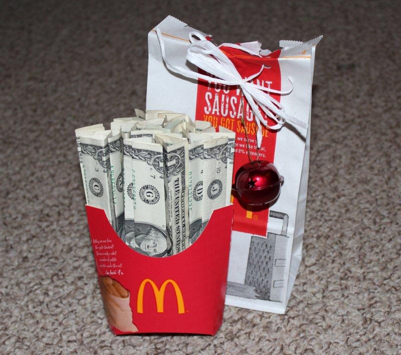 Подарок из денег