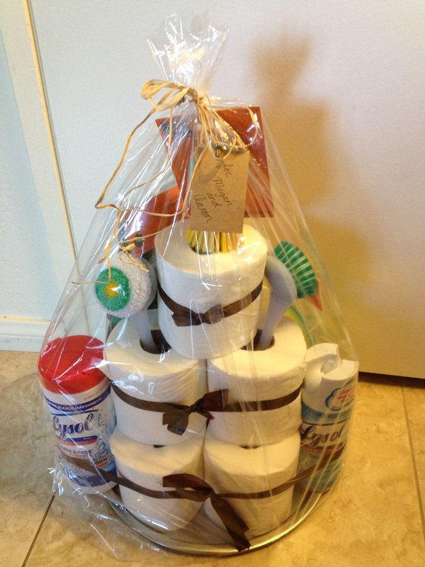 Подарок с домашними принадлежностями