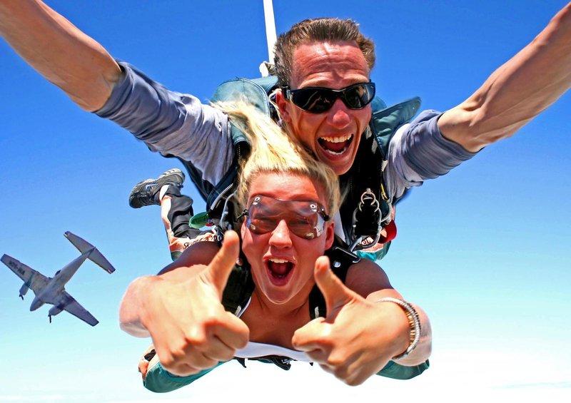 Селфи в прыжке с парашютом