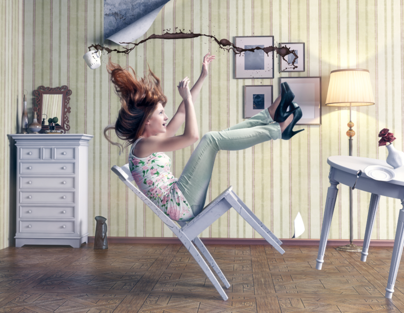 Девушка падает со стула