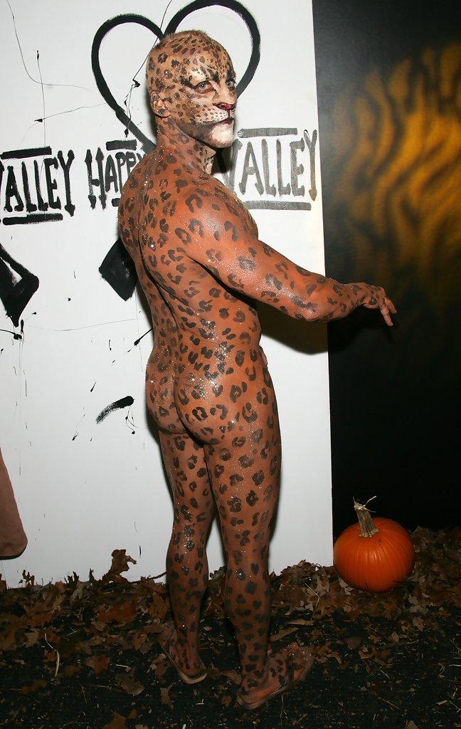 Как сделать прикольный костюм на хэллоуин